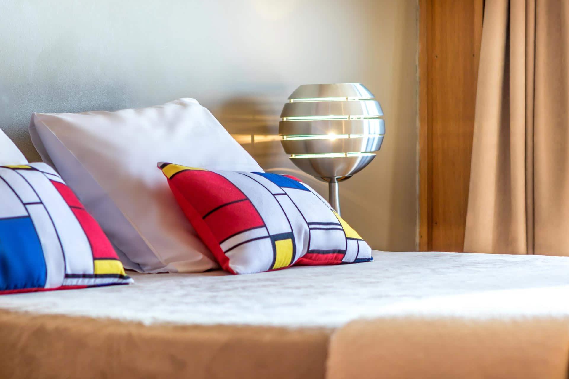 Le-corbusier_hotel-marseille-chambre